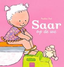 Pauline  Oud Saar op de wc