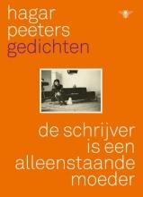 Hagar Peeters , De schrijver is een alleenstaande moeder
