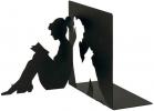 ,<b>Boekensteun zwart metaal lezende vrouw</b>