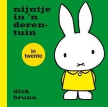 Dick  Bruna nijntje in `n derentuin in Twente