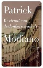 Patrick  Modiano De straat van de donkere winkels