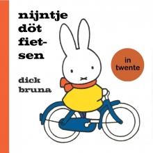 Dick  Bruna nijntje döt fietsen in Twente