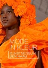 Madelief Hohé , Kunstkaartenboek Mode in kleur