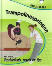 Paul  Mason Trampoline springen