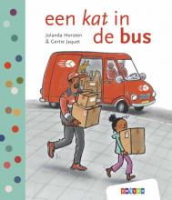 Jolanda Horsten , een kat in de bus