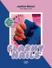 Justine Biesot , Flashy Nails
