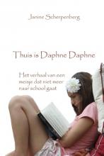 Janine  Scherpenberg Thuis is Daphne Daphne
