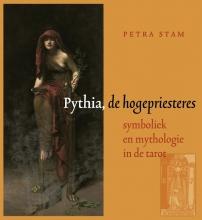 Petra  Stam Pythia, de hogepriesteres
