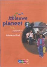 Annemarie van den Brink Roger Baltus, De Blauwe Planeet Groep 5 Antwoordenboek