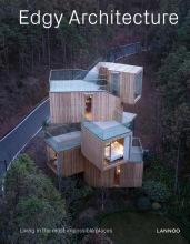 Agata  Toromanoff Edgy Architecture