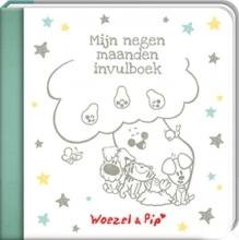 Guusje  Nederhorst Woezel en Pip mijn negen maanden invulboek