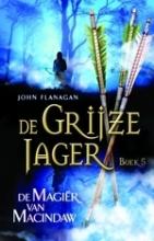 John Flanagan , De magiër van Macindaw