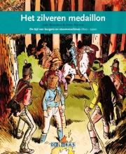 Joke  Reijnders Het zilveren medaillon Napoleon