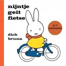 Dick  Bruna Nijntje geit fietse in `t estreechs