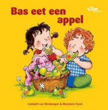 Liesbeth van Binsbergen Bas eet een appel