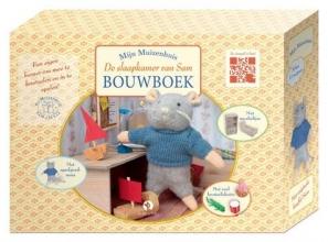 Karina  Schaapman Het Muizenhuis De slaapkamer van Sam Bouwboek compleet met kastjes, instructieboek en knutseltips en een pluchen Sam
