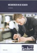 Simon  Kuipers, Rein  Mulder Meewerken in de keuken