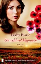 Lesley  Pearse Een veld vol klaprozen