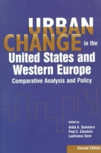 Anita A. Summers,   Paul C. Cheshire,   Lanfranco Senn Urban Change in the United States and Western Europe