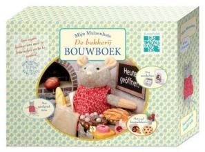 Karina  Schaapman Het Muizenhuis - De bakkerij, Bouwboek. De doos is meteen je decor! met pluchen Julia