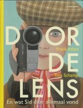F.  Adam Door de lens