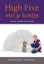 Bernice  Muntz High five met je konijn