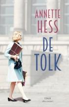 Annette Hess , De tolk