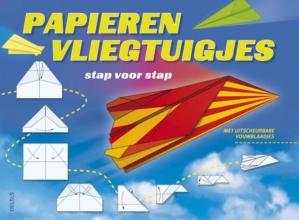 Papieren vliegtuigjes vouwen stap voor stap