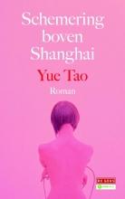 Tao  Yue Schemering boven Shanghai