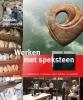 Jolanda  Groeneveld ,Werken met speksteen