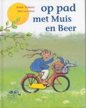 Anneke Takens , Op pad met Muis en Beer
