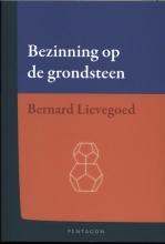 Bernard  Lievegoed Bezinning op de grondsteen