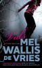 Mel Wallis de Vries,Vals