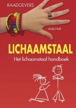 Anita  Naik Lichaamstaal