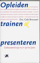 Cora Brouwer , Opleiden, trainen en presenteren