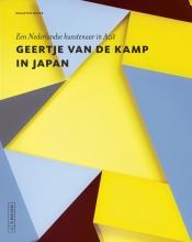Maarten Buser , Geertje van de Kamp in Japan