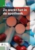 C.R.C.  Huizinga-Arp,Zo werkt het in de apotheek  Basiswerk AG  Deze titel is de opvolger van : Praktijkorganisatie voor apothekersassistenten  isbn 9789031398515