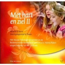 Interkerkelijke Stichting voor het Kerklied , Het vocaal theologen ensemble en de buitenschoolse koorschool o.l.v. Hanna Rijken zingen liederen uit Liedboek