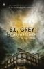 S.L.  Grey,Het appartement