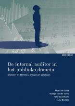 Mark van Twist, Martijn van der Steen, Henk  Bouwmans, Hans  Bekkers Studieboeken bestuur en beleid De internal auditor in het publieke domein