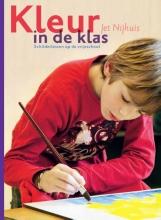 Jet Nijhuis , Kleur in de klas