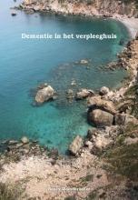 Hendrika den Broeder , Werken met mensen met dementie in het verpleeghuis.