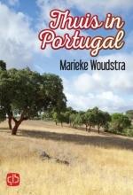Marieke  Woudstra Thuis in Portugal