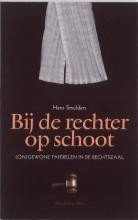 Hans  Smulders Bij de rechter op schoot