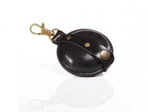 , sleutelhanger Mika klein zadelleer opbergvak voor munten.   zwart