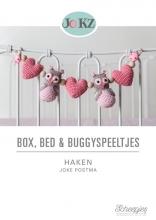 Joke  Postma Box, Bed en Buggyspeeltjes Haken