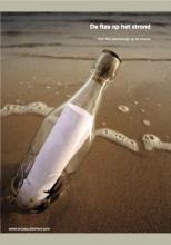 Robertha  Huitema De fles op het strand