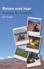Julia Fontijn , Reizen met haar
