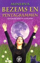 Minerva , Bezems en pentagrammen
