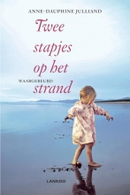Anne-Dauphine  Julliand TWEE STAPJES OP HET STRAND (POD)